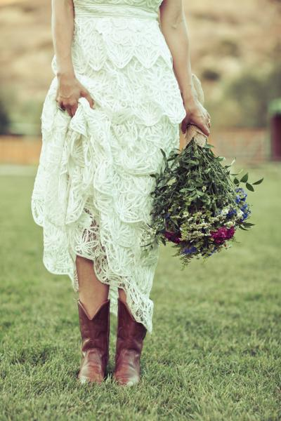 [Image: Southern Chic Bride]